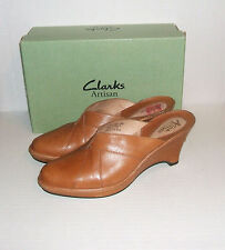 Clarks Artisan Women's Camel Leather Wedge Dress Mules Clogs Slides Size 9.5 M
