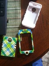 IPhone 4 blue and green plad case. Has 3 pieces to it