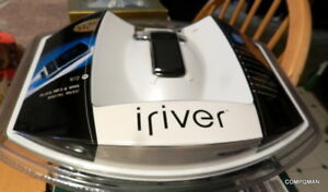 Iriver N10 MP3 Digital Music Player 512MB SEALED NEW VINTAGE Pendant Design 2005