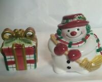 Flitz And Floyd Snowman And Present Salt And Pepper Shakers