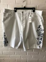 New Style & Co Woman's Embroidered Bermuda Shorts  Mid Rise White  Plus Size  G8