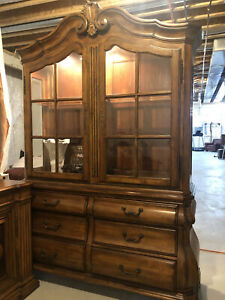 ETHAN ALLEN TUSCAN COLLECTION CHINA CABINET HUTCH