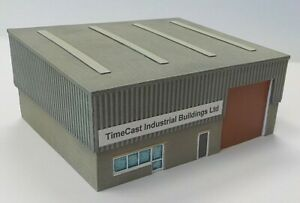 N Scale Modern Industrial Unit - large single bay unit flat roof (Code NB11)