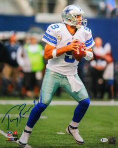 Tony Romo Autographed Dallas Cowboys 16x20 PF Photo Passing -Beckett Wit *Blue