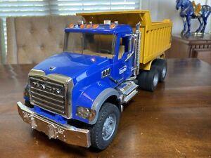 "BRUDER Mack Granite Dump Truck 21"" Toy Truck Construction Vehicle 02815"
