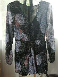 T By Bettina Liano Size 6 Romper Playsuit Floral Long Sleeves