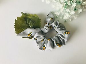 Hair scrunchie with bow - Silver Bee pattern