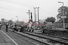 PHOTO  JCB AND DUMP TRUCK AT THATCHAM 15-05-83