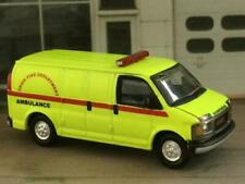 FIRE & RESCUE GMC Fire Department EMT Ambulance 1/64 Scale Limited Edition V13