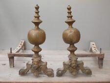 Très ancienne paire de chenets marmousets