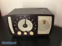 Vintage Zenith AM/FM Long Distance Tube Radio No S-40174  1950's.