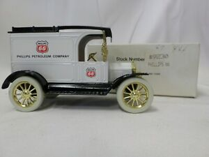 Ertl Replica Ford 1913 Model T Van Coin Bank Phillips 66 Die Cast #9230 NIB