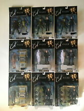 9 - The X Files Action Figures Lot, 1998 Scully, Mulder, Alien