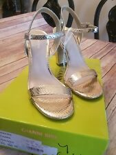 NEW WITH BOX GIANNI BINI  MCKARIA SAND GOLD BLOCK HEEL DRESS SANDALS sz US  9