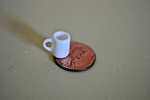 Miniature Coffee Cup in 1:12 doll scale