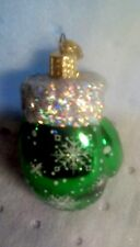 OLD WORLD GLASS CHRISTMAS ORNAMENT. GREEN SNOWFLAKE MITTEN. GUC NO BOX