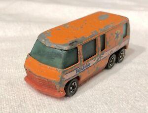 ERROR 1979 Hot Wheels GMC Motorhome Orange Palm Beach w/ Red Scene Machines Base