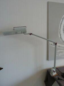 Waldmann Cirrus OTE 118 Arbeits / Schreibtisch / Nagelstudio / Kosmetikleuchte