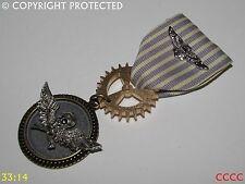 Steampunk badge brooch pin drape Medal pirate flying skull crossbones totenkopf