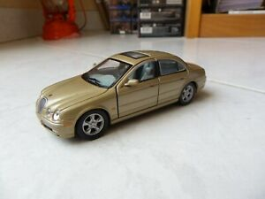 Jaguar S-Type gold dorée Hongwell 1/43 Miniature