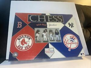 BOSTON RED SOX vs. NEW YORK YANKEES CHESS SET USAopoly MLB RIVALRY NEW SEALED 02