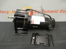 "Dayton 4Z383B Industrial DC Gear Motor Gearmotor 90/130V 31/47RPM 1/8-1/6HP 5/8"""