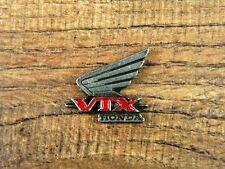 """HONDA VTX MOTORCYCLE VEST PIN ~1"""" x 7/8"""" LAPEL HAT BADGE BROCHE BIKER ANSTECKER"""