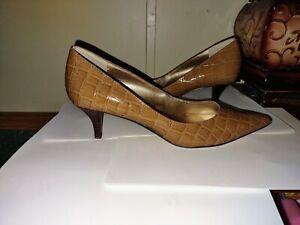 Bandolino Heels Dress Shoes Size 7M