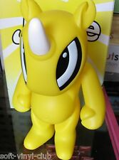 Jouwe yellow Vinyl Toy by Kuso Vinyl