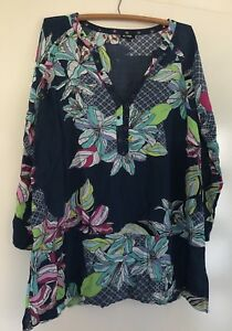 Emerge Floral 3/4 Sleeve Blouse - Size 16