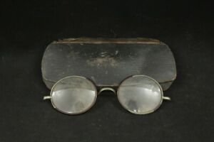 Vintage 1920's 1930's Unbranded Wire Cable Temple Eyeglasses & Hard Case
