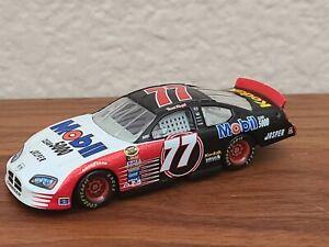 2005 #77 Travis Kvapil Mobil 1 Clean 5000 Kodak 1/64 NASCAR Diecast Loose