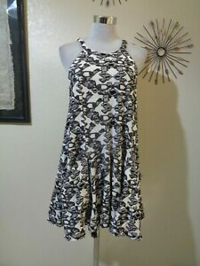 FREE PEOPLE BLACK/WHITE DESTROYED ABSTRACT TRIANGLE KNIT RACERBACK MINI DRESS
