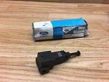 Ford Bremslichtschalter 1070613 für viele Fahrzeuge