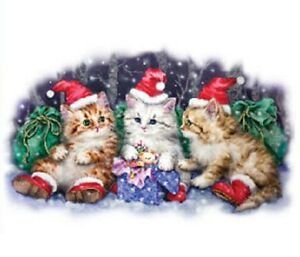 Three Santa Cats   Glitter  Tshirt    Sizes/Colors