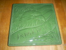 """Great Gatherings Stoneware Trivet """"America"""" & Pix of Eagle on front Green NEW"""