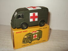 Vintage Raras francés Dinky 80 ° F renault-carrier Militar Ambulancia Y Caja Original
