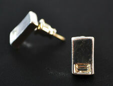 LADIES SILVER RECTANGULAR STUD EARRING WITH ENCRUSTED RHINESTONE (ZX6)