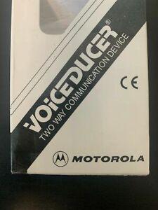 NEW BDN6677A GENUINE Motorola Voiceducer Ear Microphone (Black) XTS HT1250 750