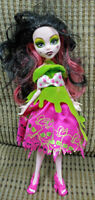 """2012 Monster High Doll Scarily Ever After """"SNOW BITE"""" Draculaura Rare Authentic"""