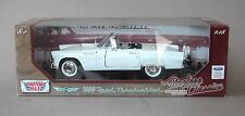 1:18 Motormax 1956 Ford Thunderbird Roadster - White