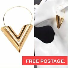V TRIANGLE EARRINGS Gold Fashion Jewllerey Statement Drop Elegant Louis Vuitton