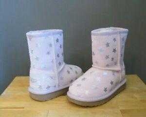 Ugg Australia Toddler Girl Lilac Classic Short II Stars Boots US 9 Brand New