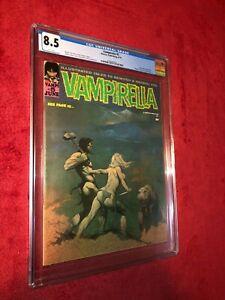 Vampirella #5 (Warren, 1970) - CGC 8.5 - classic Frank Frazetta cover