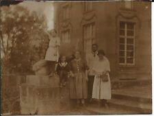 Alte Fotografie wohl um 1910 vor dem Schloss Monrepos im Format ca. 5,5 x 4,2 cm