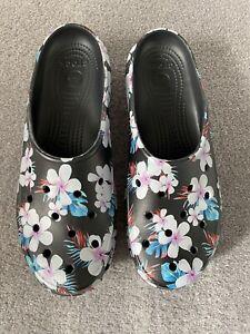 Crocs Black Floral Print Clogs Size UK9
