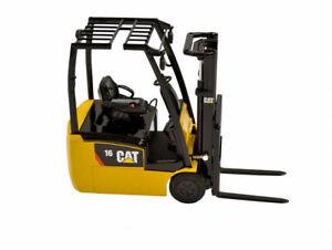 Caterpillar 1:25 Scale Diecast Model EP16 PNT Fork Lift Truck 55504 CAT