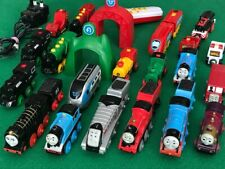 individual BATTERY TRAINS for THOMAS & FRIENDS WOODEN RAILWAY & BRIO engine set