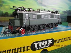 TRIX  International  E-Lok 52 2440 00 in OVP Neu
