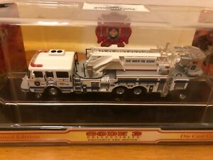 CODE 3 LIMITED EDITION FORT WORTH LADDER FIRETRUCK MINT IN ORIGINAL CAPSULE